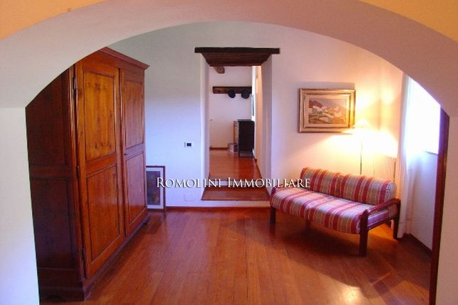 Chianti Aretino: Farm Estate For Sale