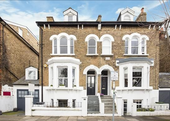 Thumbnail Flat to rent in Amerland Road, Putney, London