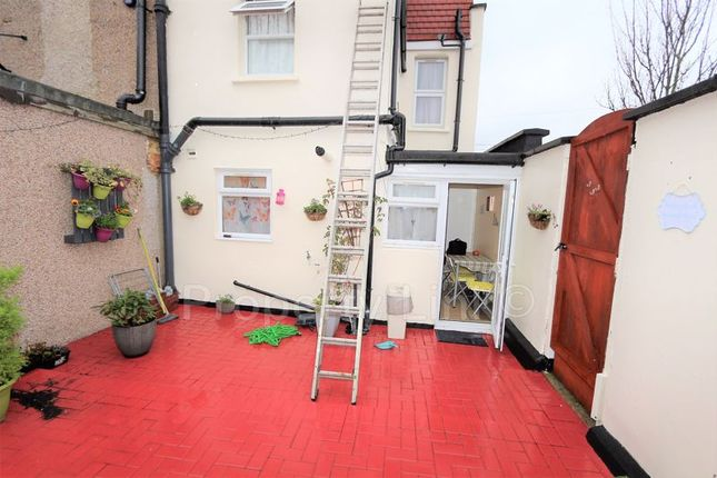 6 bed property to rent in Uphall Road, Ilford IG1