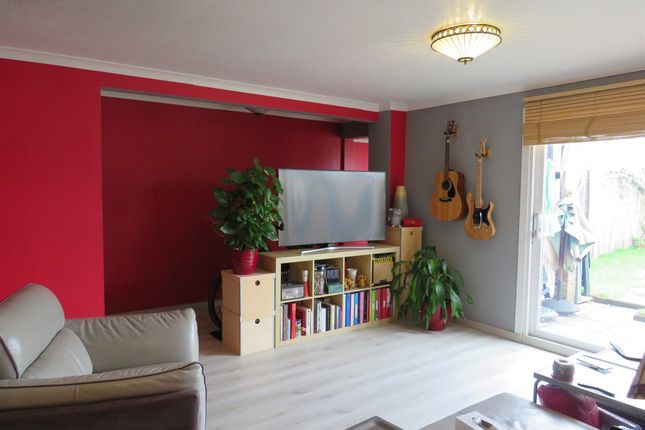 Thumbnail Terraced house for sale in Twyne Close, Crawley