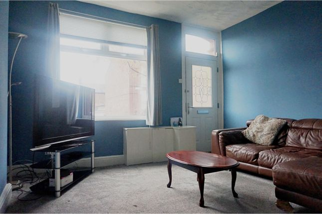 Lounge of Leng Road, Manchester M40