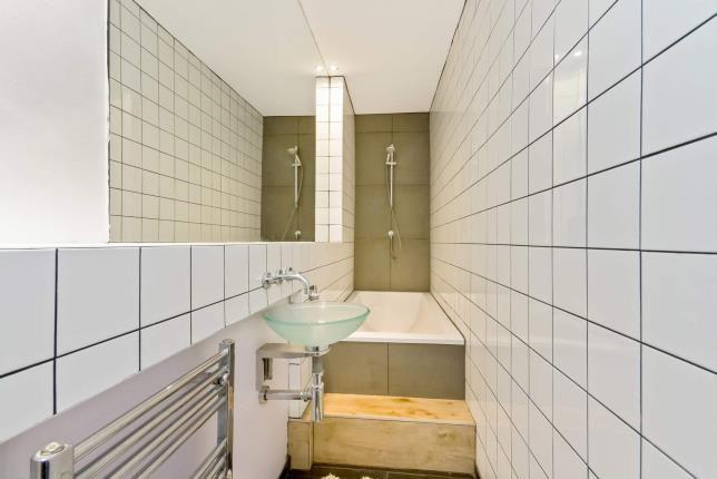 Bathroom of Hill Street, Garnethill, Glasgow, Lanarkshire G3