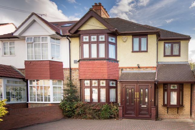 Thumbnail Semi-detached house to rent in Elden Ave, Heston