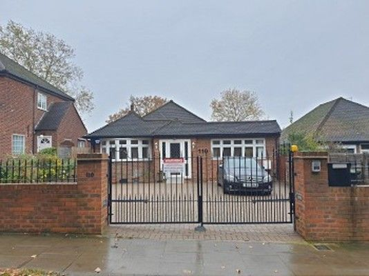 Thumbnail Bungalow to rent in Waterfall Road, London