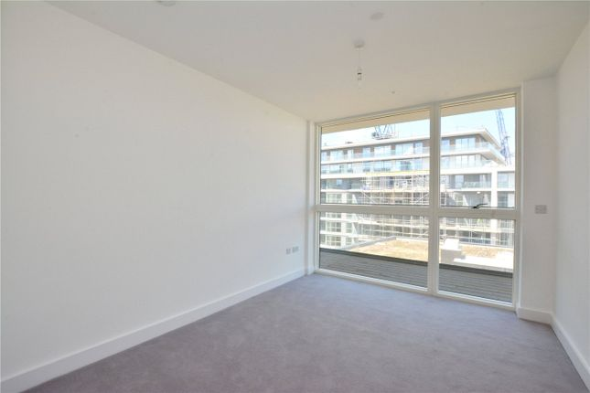 Picture No. 13 of Wyndham Apartments, 67 River Gardens Walk, Greenwich, London SE10