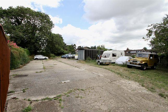 Parking of Broadwater Gardens, Shotley Gate, Ipswich IP9