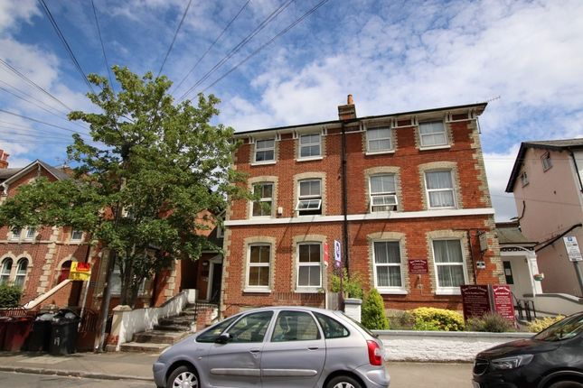 Thumbnail Flat for sale in Russell Street, Reading