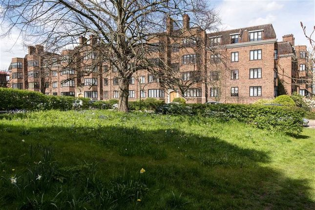 Thumbnail Flat to rent in Selwyn House, Manor Fields, Putney