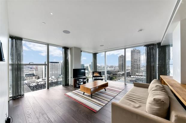Thumbnail Flat for sale in The Heron, City Of London