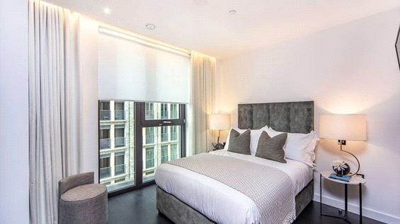 Master Bedroom of Thornes House, 6-8 Charles Clowes Walk, The Residence, London SW11