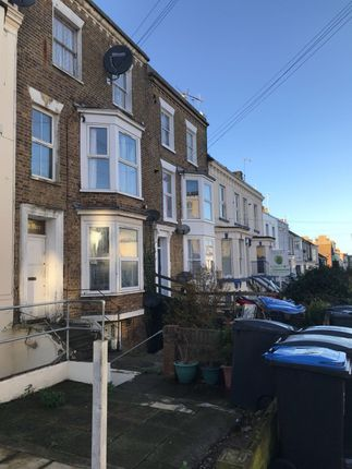 1 bed flat to rent in Godwin Road, Margate