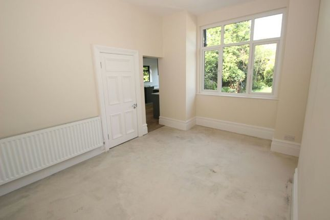 Family Room of Priory Road, Sale M33