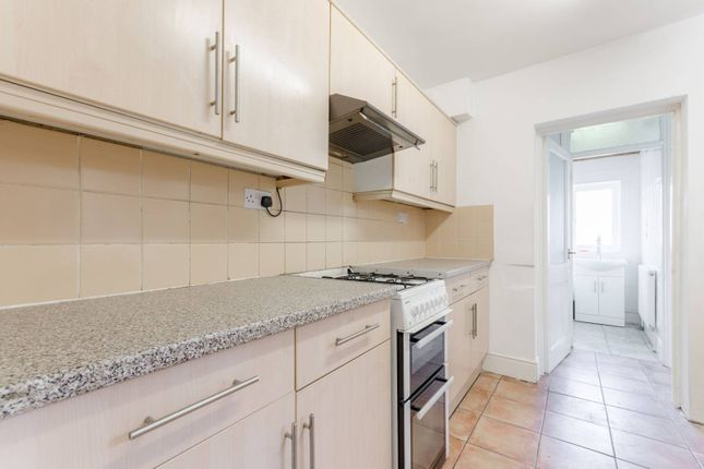 Thumbnail Terraced house to rent in Havant Road, Walthamstow