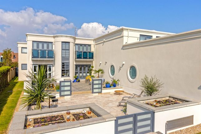 Thumbnail Flat for sale in Sea Drive, Ferring, Worthing