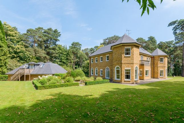 Thumbnail Detached house to rent in Swinley Road, Ascot, Berkshire