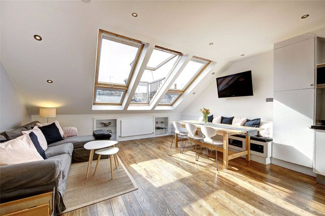 Thumbnail Flat to rent in Westbourne Grove Mews, London