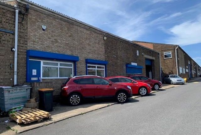 Thumbnail Light industrial to let in Unit K Kingsway, Luton, Bedfordshire