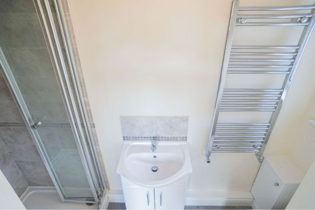 En-Suite of Fern Grove, Cherry Willingham, Lincoln LN3