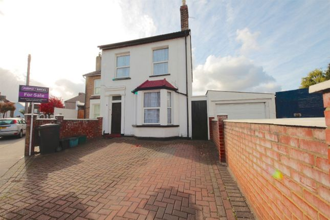 4 bed semi-detached house for sale in Cobden Road, South Norwood
