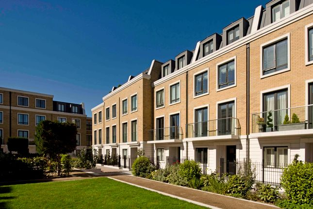 Thumbnail Town house to rent in Rainsborough Square, Fulham