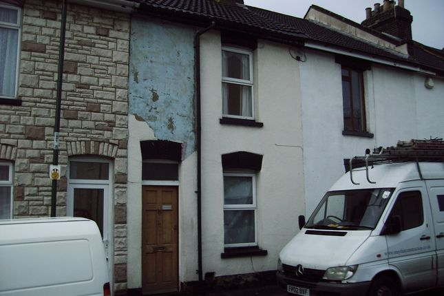 Thumbnail Terraced house to rent in Smith Street, Strood