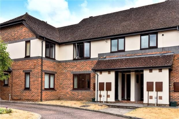 Thumbnail Flat for sale in Oldfield View, Hartley Wintney, Hook