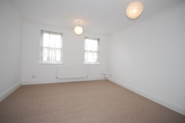Thumbnail Terraced house to rent in Vicarage Drive, Beckenham