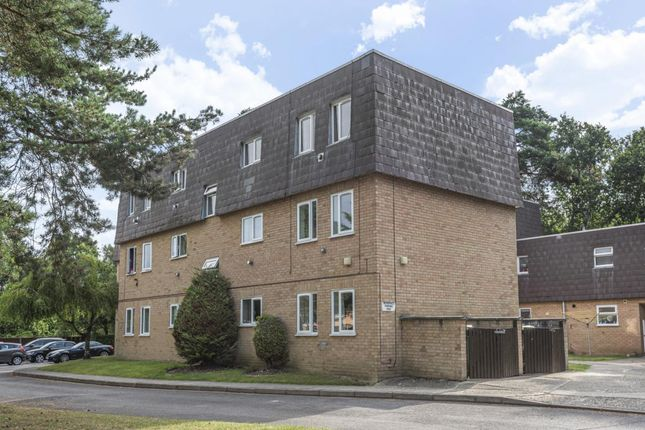 Thumbnail Flat for sale in Owlsmoor, Sandhurst
