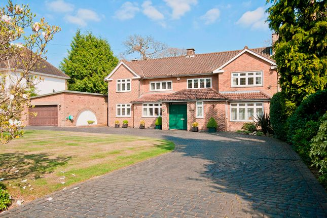 Thumbnail Detached house for sale in Linksway, Northwood