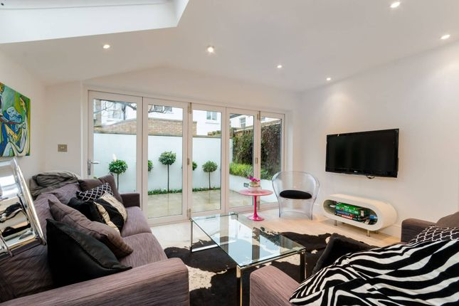 Thumbnail Flat to rent in Becklow Road, Wendell Park