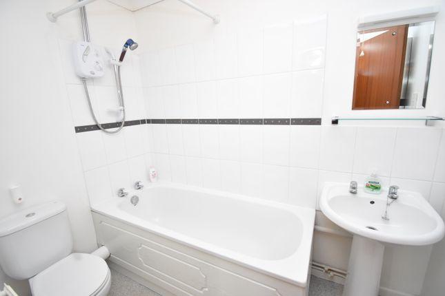 Bathroom of Newtown Road, Newbury RG14