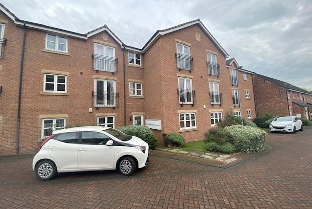 1 bed flat to rent in St Andrews Close, Aberford Road, Wakefield WF1