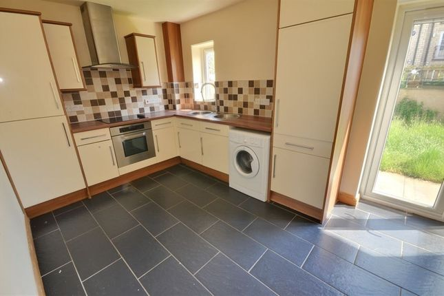 Thumbnail Town house to rent in Field View, Micklefield, Leeds