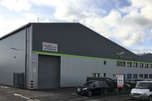 Thumbnail Warehouse to let in Caxton Way, Watford