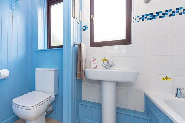 Bathroom of Tolroy Road, St. Erth Praze, Hayle TR27