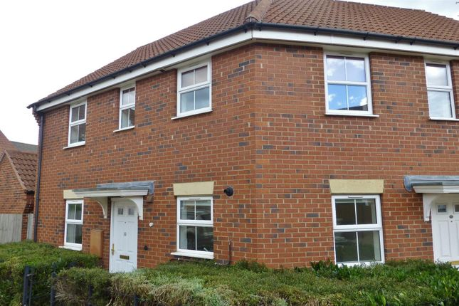 2 bed flat to rent in Goldfinch Road, Uppingham, Oakham