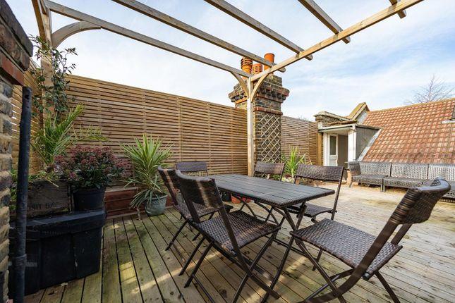 Roof Terrace (2) of Lambert Road, London SW2
