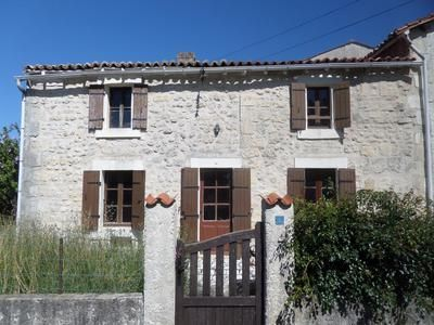 4 bed property for sale in Pons, Charente-Maritime, France