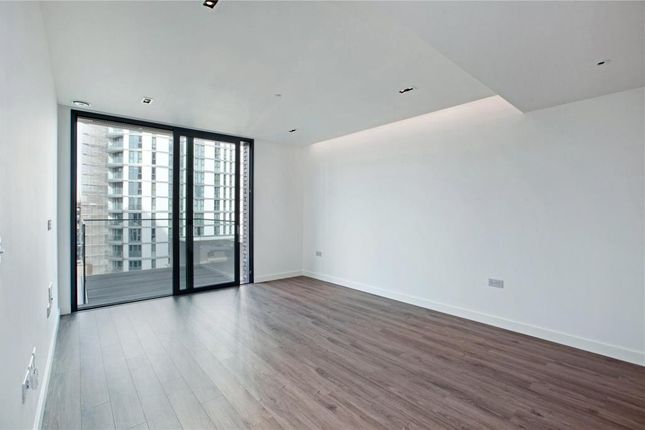 Thumbnail Flat to rent in Satin House, Aldgate