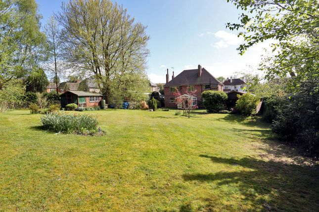 Thumbnail Flat for sale in Royal Chase, Tunbridge Wells