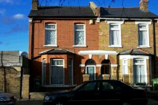 Thumbnail End terrace house to rent in Nutbrook Street, London