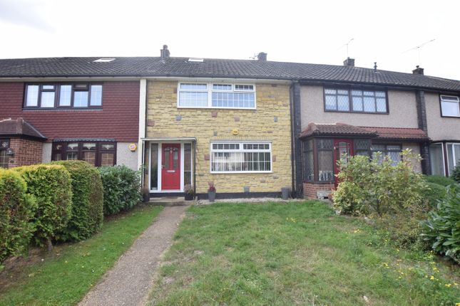 Thumbnail Terraced house for sale in Lee Walk, Basildon