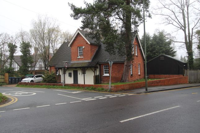 Thumbnail Flat to rent in Fishponds Road, Keston, Bromley