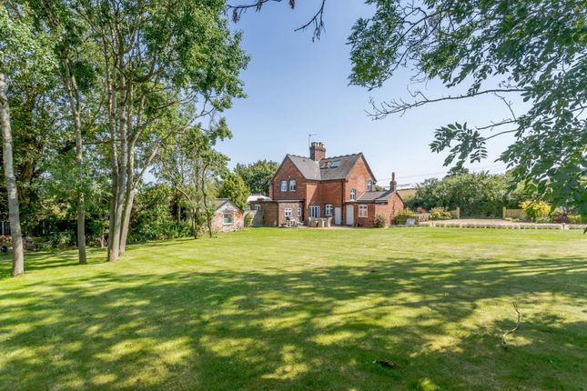 Thumbnail Cottage for sale in Bangley Lane, Hints, Tamworth