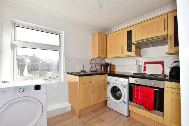 3 bed flat for sale in High Street, Snodland, Kent ME6