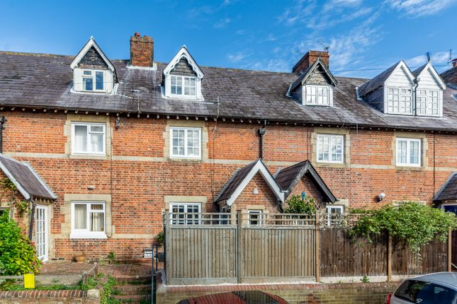 Thumbnail Cottage for sale in Bond Street, Arundel, West Sussex