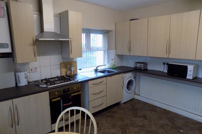 Thumbnail Shared accommodation to rent in Psalter Lane, Sheffield