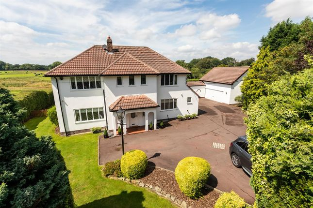 Thumbnail Detached house for sale in London Road North, Poynton, Stockport