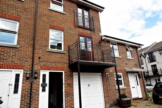Thumbnail Terraced house to rent in Southdown Mews, Brighton, East Sussex