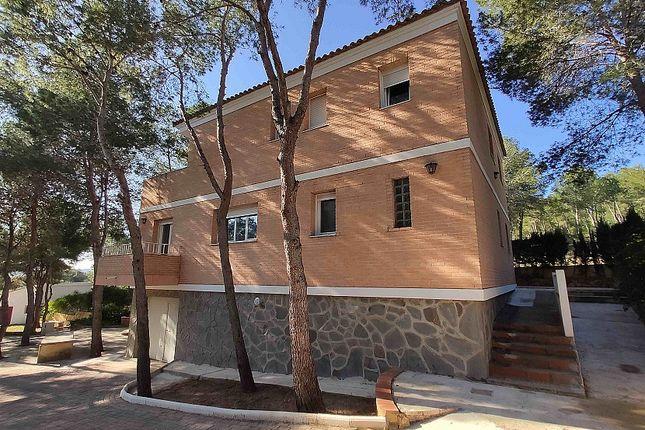 Villa for sale in Chiva, Valencia, Spain